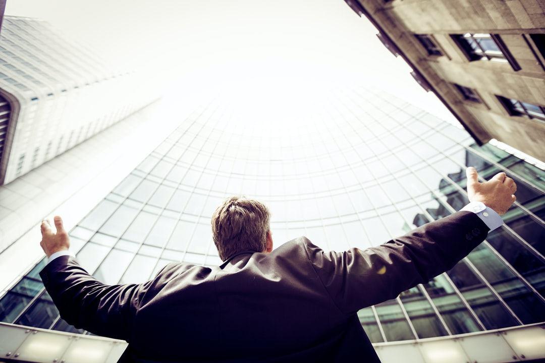 تکنیکهای بازاریابی و فروش برای تبدیل شدن به یک بازاریاب موفق